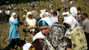 Bosnada Katliam Acısı İle 16 Yıl