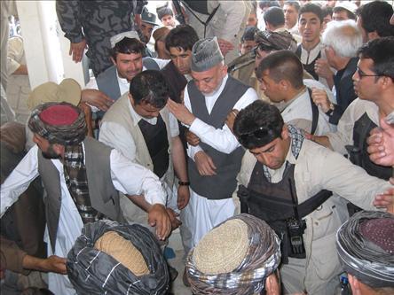 Kandahar'da Camiye Bombalı Saldırı: 4 Ölü