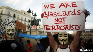 Anonymousa Üç Ülkede Operasyon