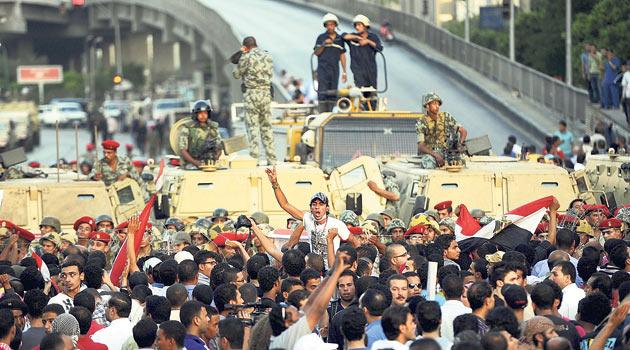 Mısırda Ordu Halkın Hedefinde