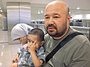 16 Özbek 15 Gündür Havalimanında Tutuluyor