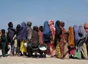 Somali: Bir Bardak Su, Bir Topak Un...