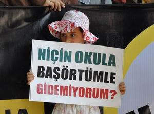 Adana'da Başörtüsü Yasağı ve 'Andımız' Protesto Edildi