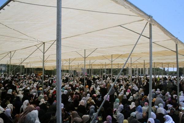 Mescid-i Aksada 300 Bin Kişi Cuma Namazı Kıldı