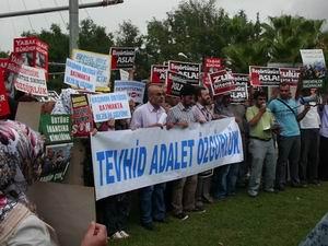 Akdeniz Üniversitesinde Yasak Protesto Edildi