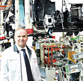 Toyota Fabrikasında Seccadeler Toplatıldı
