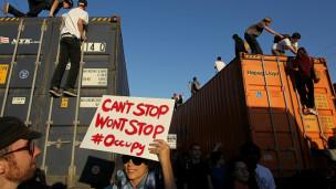 ABDde Kapitalizm Karşıtlarıyla Polis Çatıştı