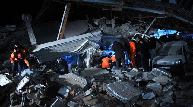 Van Bir Kez Daha Sarsıldı, 25 Bina Yıkıldı