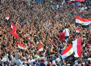 İslamcılar Anayasa İçin Meydanlara İniyor