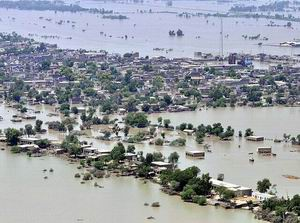 Baycan Pakistan Hâlâ Sular Altında! (FOTO)