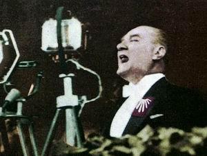 Atatürk İçin Ezan Yazdılar; Üstüne Mevlit Eklediler