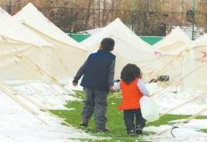 Van-Ercişte Soğuklar Çaresizleştiriyor