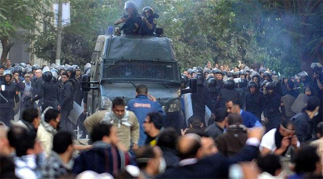Tahrir Meydanını Cunta Karşıtları Ele Geçirdi