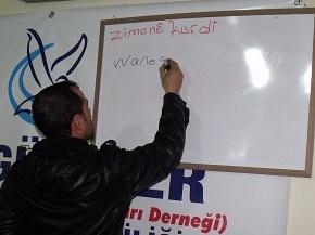 Özgür-Der Siverek'te Kürtçe Kursu