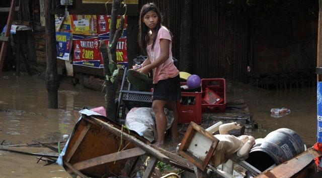 Filipinleri Tayfun Vurdu: 426 Ölü