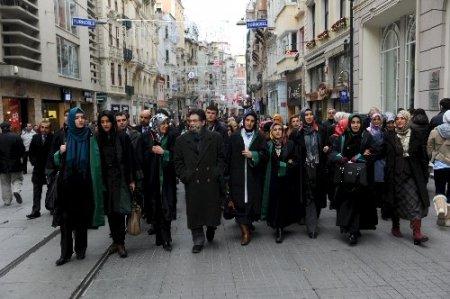 Avukatlardan İstanbul Barosu'na Protesto