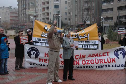 Suriyedeki Katliamlara Mardinden Protesto