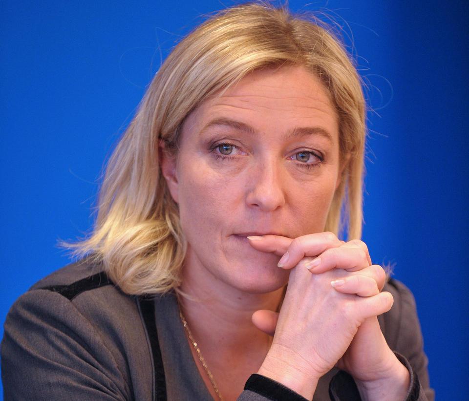 Le Pen, Seçilince Namazı Yasaklayacakmış!
