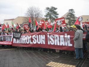 Adliye Önünde Kahrolsun İsrail Sloganları (FOTO)