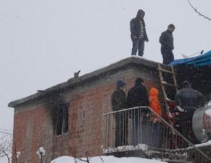 Diyarbakırda Bir Ev Alev Alev Yandı: 6 Ölü