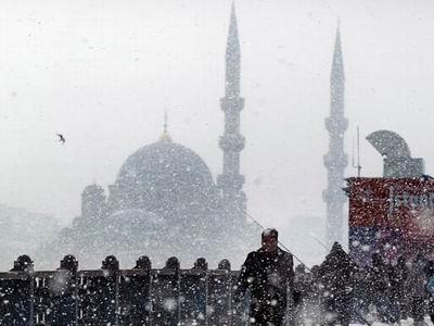 İstanbul Üçüncü Gününde de Kar Altında!