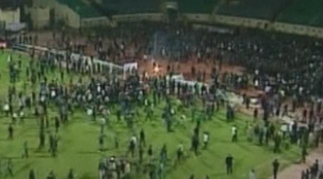 Mısırda Futbol Maçında Dehşet: 74 Ölü