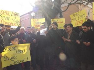 Baas Diktatörlüğü Bartında Protesto Edildi