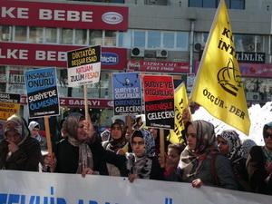 Antalyada Suriye Direnişine Destek Eylemi