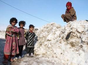 Afganistanda Çocuklar Soğuktan Öldü!