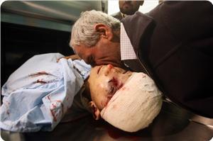 İsrail, El-Halilde Filistinli Bir Genci Şehit Etti