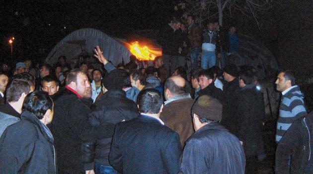 İşçiler PKK Bayrağı Açtı İddiası Yalan Çıktı