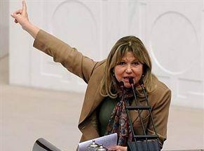 CHP'li 3 Kadın Vekil Meclis'i Neden Terk Etti?