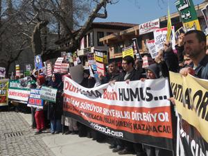 Bursa Suriye İntifadasını Selamladı