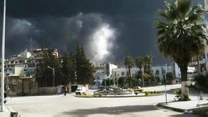 Baas Güçleri Hama'yı Bombalıyor