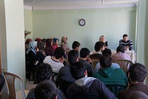 Gençler Ortadoğu İntifadalarını Konuştu
