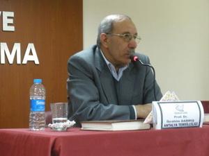 """Antalya'da """"İslam ve Yönetim"""" Konferansı"""