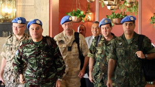 BM Gözlemcileri Suriyede Belgesel mi Çekiyor?