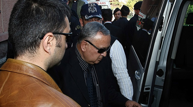 Erol Özkasnak ve 7 Kişi Tutuklandı!