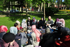 Beykoz'da Kız Öğrenciler Piknikte Buluştu