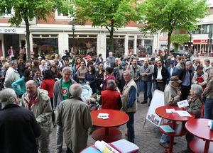 Almanyada Camiye Saldırı Protesto Edildi