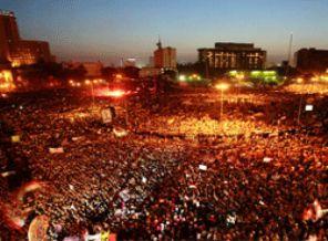 Mısırlılar Mübarek İçin Müebbet Değil, Kısas İstiyor!