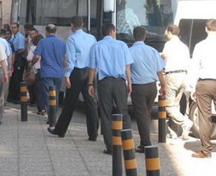 10 Muvazzaf Asker Casusluktan Tutuklandı