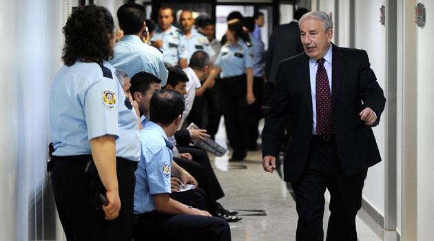 28 Şubatın Üniversiteler Şefi Kemal Gürüz Tutuklandı