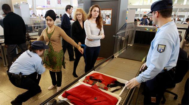 Fransız Havaalanında Başörtüsü Skandalı