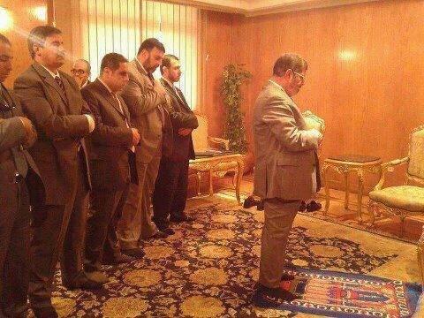 Muhammed Mursi Ant İçerek Göreve Başladı