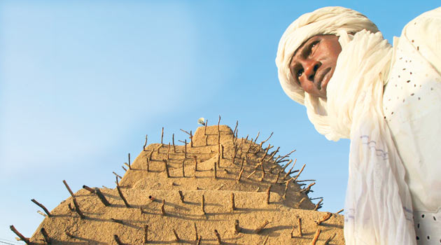 El-Kaide Timbuktu'daki Türbeler Yıkıyor