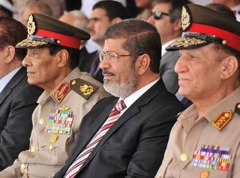 Mısırda Askerden Mursiye Uyarı