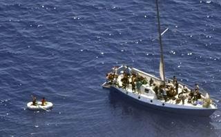 Göçmen Teknesi Alabora Oldu: 82 Ölü