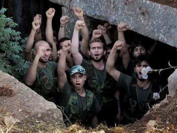 Ebu Salah: Suriye Devrimi Silah Bekliyor!
