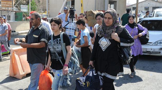 2 Günde 30 bin Suriyeli Lübnana Sığındı